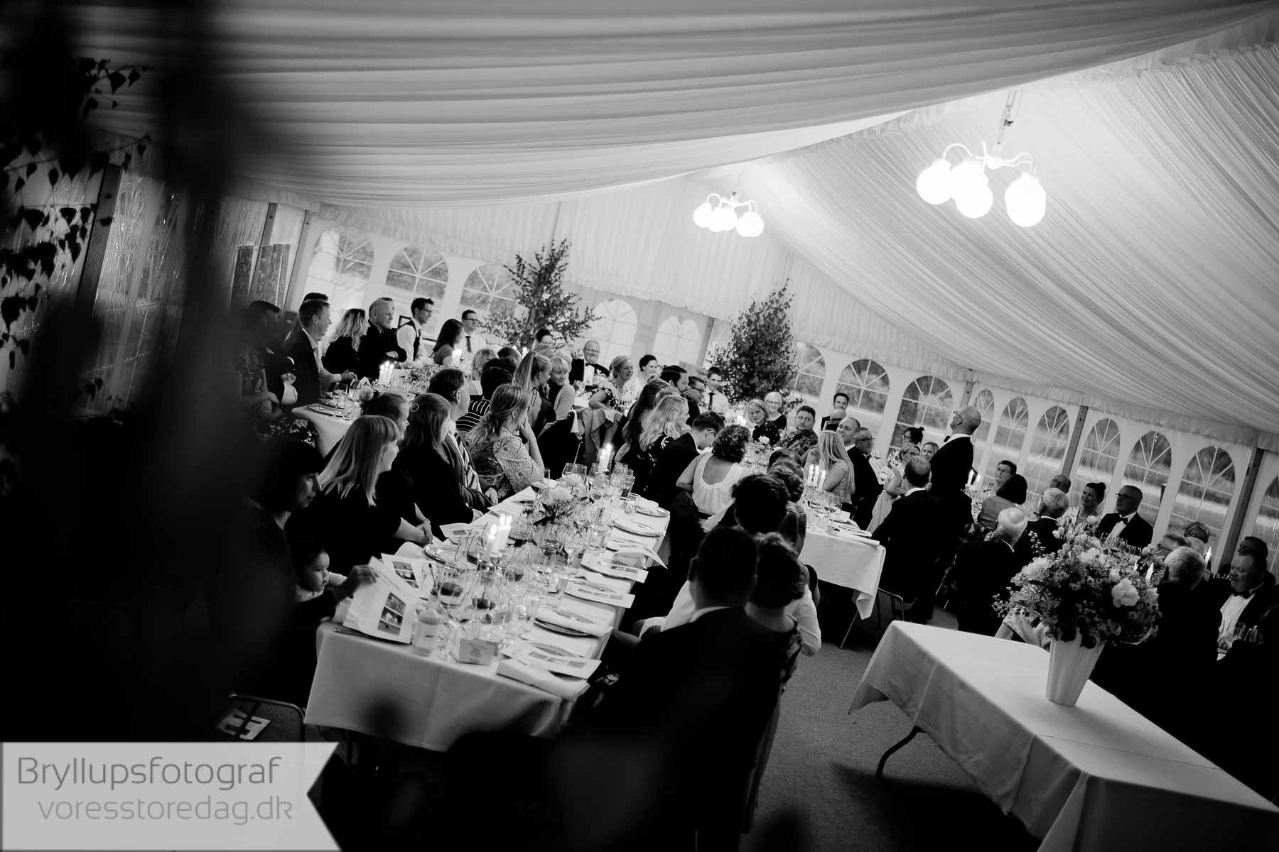 Ved et bryllup ønsker de fleste brudepar ønsker at fascinere sine bryllupsgæster