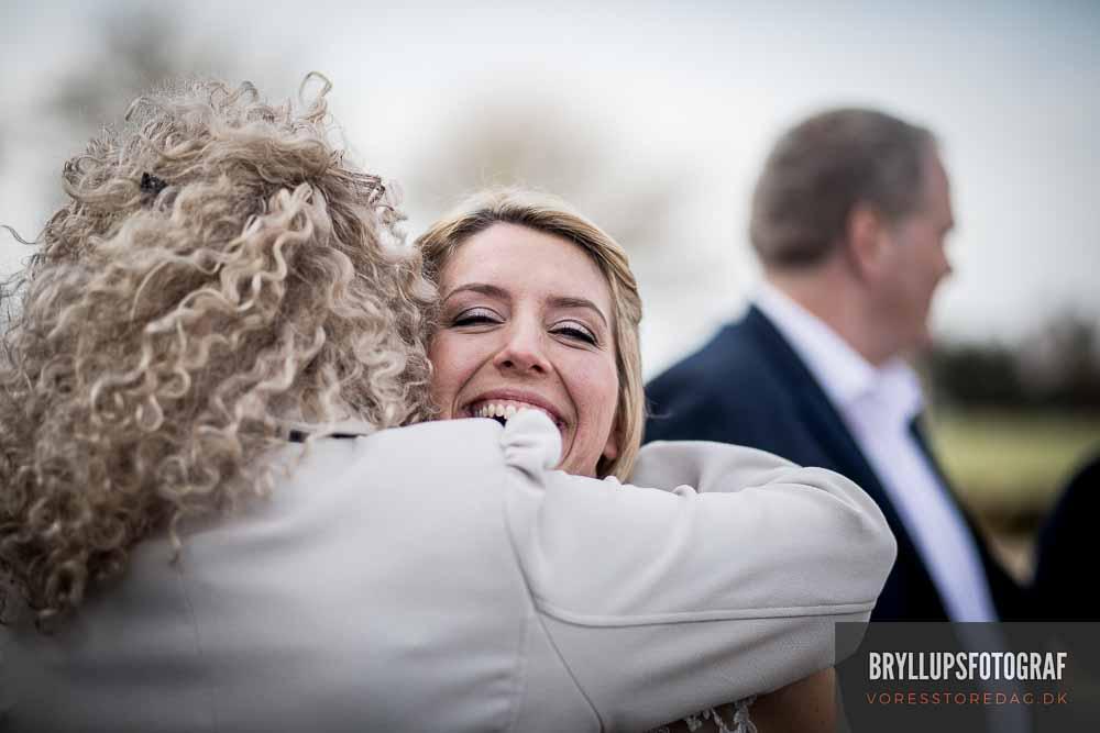 Jeg er bryllupsfotograf på hele Sjælland