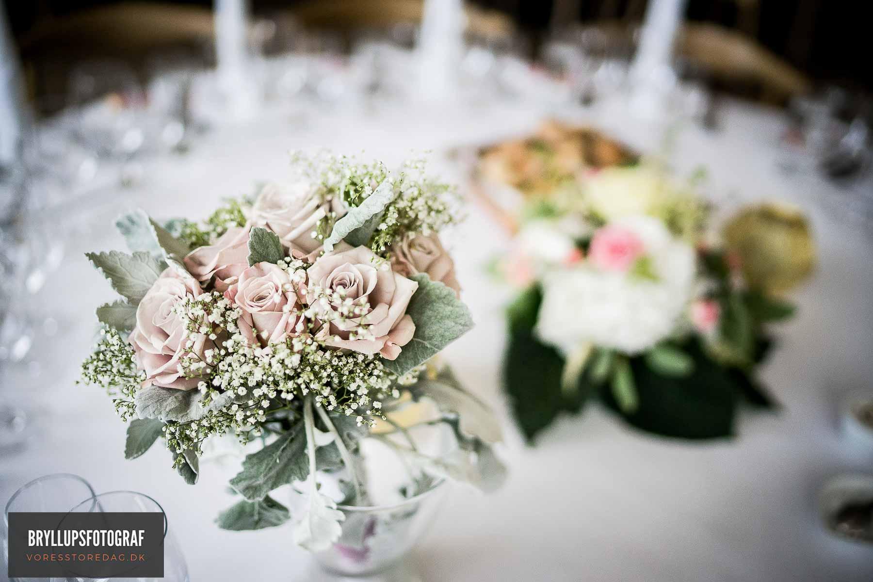Mange brudepar vælger idag at få en professionel fotograf